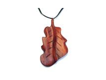 _0023_Dřevěný přívěšek-list dubový-padouk